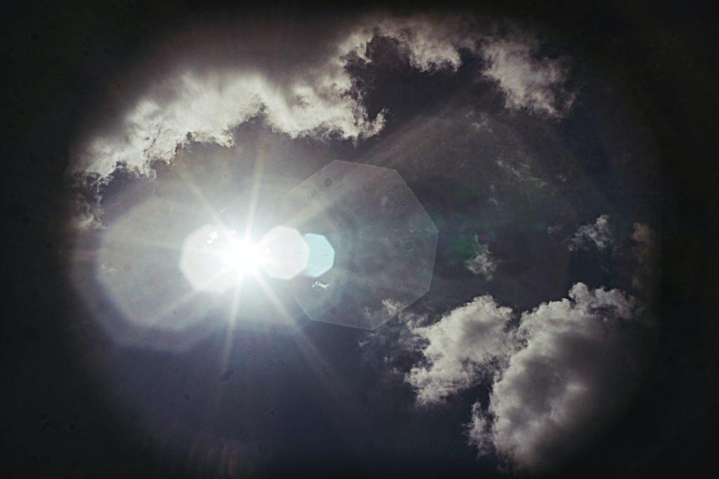 Atmospheric sky light - Photo by Thomas Kinto via unsplash