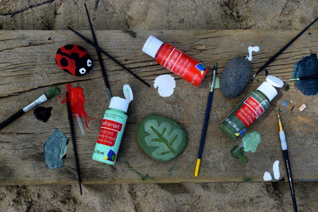 Rock plant markers DIY