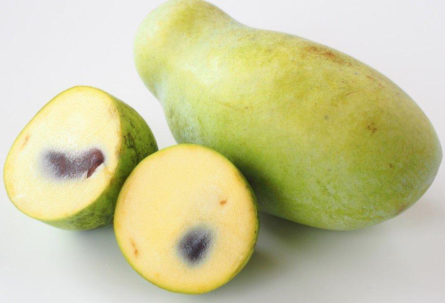 sliced paw paw fruit